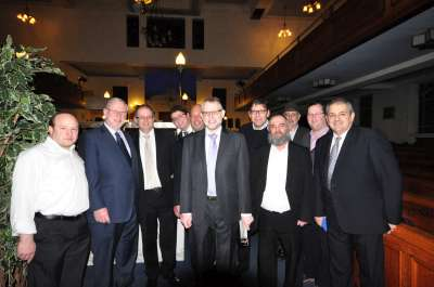 Featured image - Sharing Shabbos with Heathlands Village Shul
